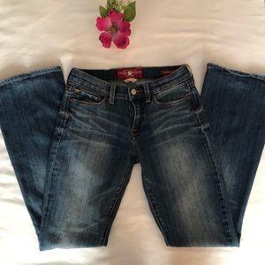 Lucky brand women jeans. Size 2/26.